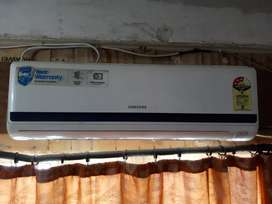 Samsung split 1.5 ton white A/c purchase at 42600/rs