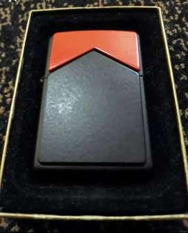 Very Rare Brand New Zippo Marlboro Red Top Limited Edition