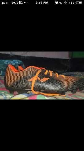 nivia  Football shoes size (42)