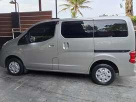 Nissan Evalia ST