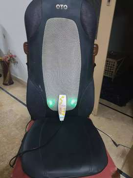 *Oto(Made In Singapore) Remote Controlled Back Seat Massager*