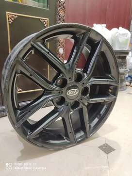 17 inch alloy rim car PCD 114 aloy rims imported condition 9/10 Geniun