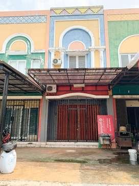 Ruko 2 lantai murah  strategis untuk usaha/bisnis di GDC Depok