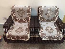 3 months old Sofa set 5 seater