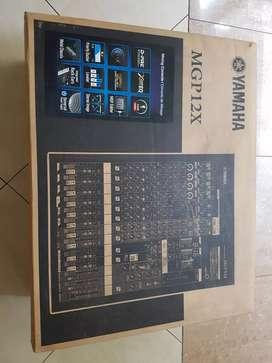 Mixing Console Yamaha MGP12X