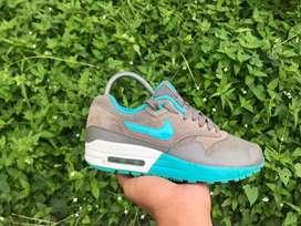 Sepatu  Nike Air Max 1 Preloved Second Bekas Original Size 36,5