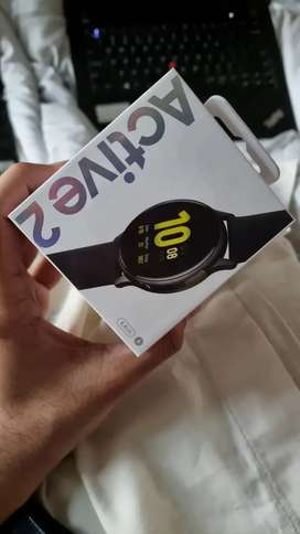 Samsung Galaxy Active 2 Smart Watch @ 16,999