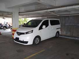 Nissan evalian SV 2012