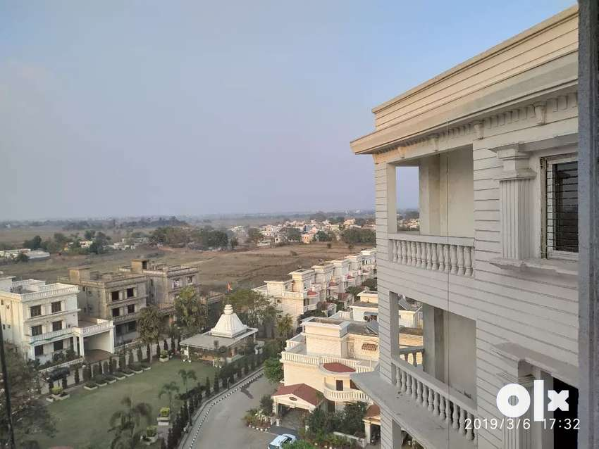 3bhk luxurious flat for sale at a prime location 0