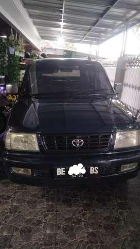 Mobil Kijang LX5