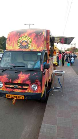 Food truck, Shawarma maker alng with whole kitchen instrument for sale