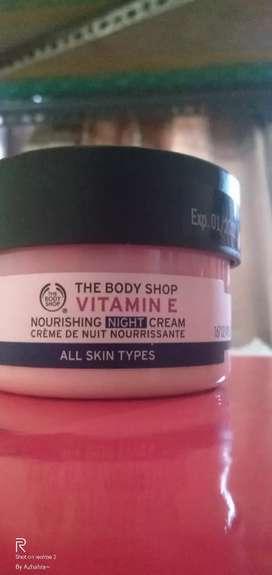 The Body Shop Vitamin E Night Cream All skin Types