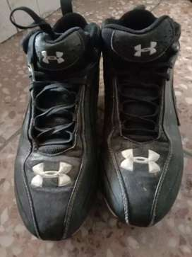 Under Armour original Toe shoes for footballer