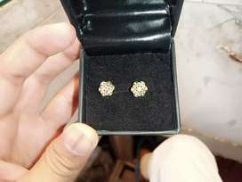 Ear tops beautiful and latest design are available