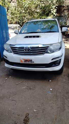 I want to sell my Toyota Fortuner 4 by 2 automatic VIP number