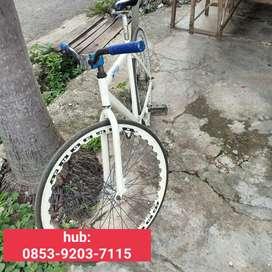 Sepeda fixie white