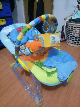 Bouncher / tempat tidur bayi