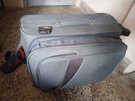 Skybags luggage suicase