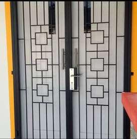 Pintu tralis/ pintu pengaman