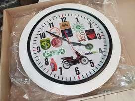 Souvenir Jam Dinding 40cm Bisa Desain Custom Gambar Sesuai Permintaan