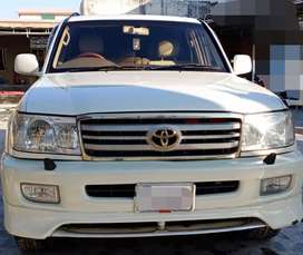 Toyota Land Cruiser For Rent At Rs 10000 per day