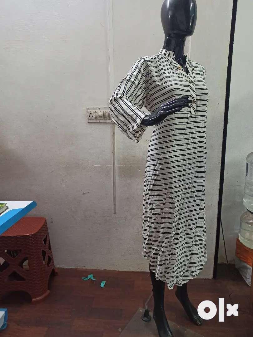 Female glass standing back mannequin