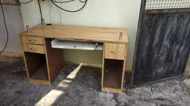 Computer Table of strong wood