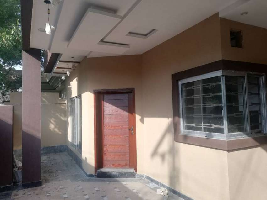 10 Marla 35×65 A Large Family Home In A Great Location in Nawab Town 0