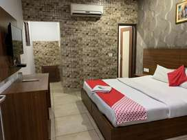 17 room hotal with banquet on Rent in Zirakpur