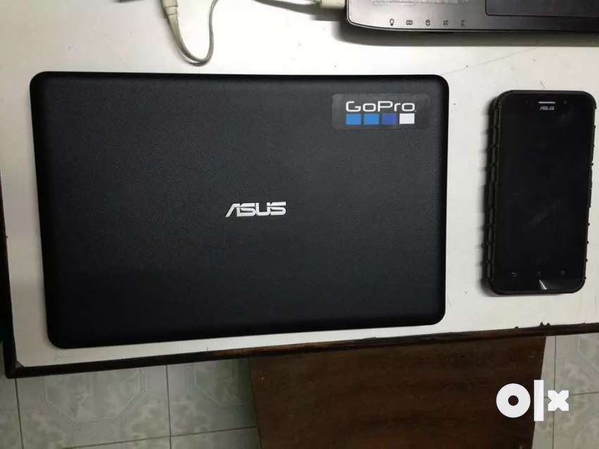 "Asus Mini Laptop 11.6"" in excellent condition. Just 8months old 0"