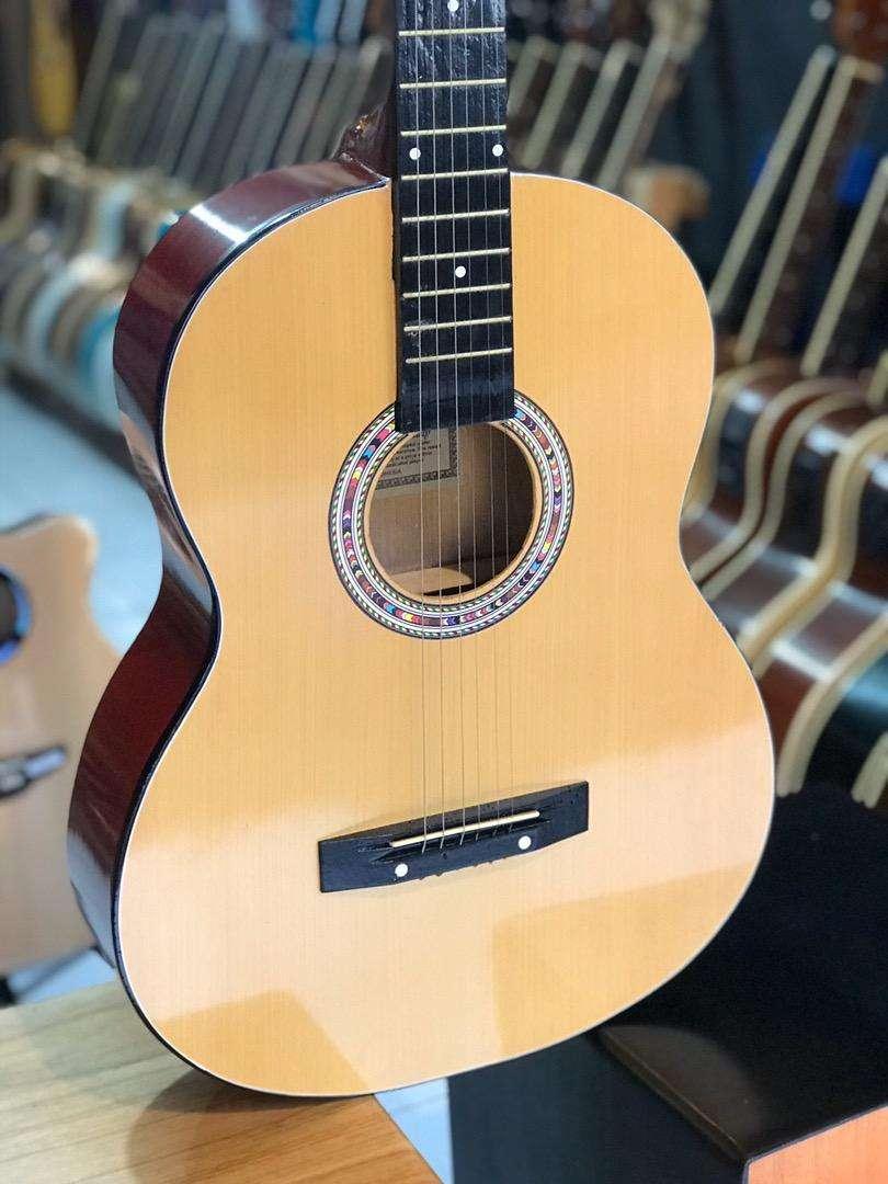 Gitar akustik pemula string 0