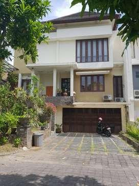 Rumah Cantik Area Perumahan di Perum. Hayam Wuruk, Jl. Hayam Wuruk