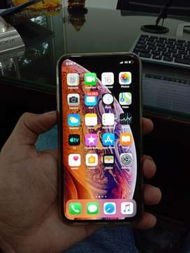 In warranty iphone XS 64 gb mint condition