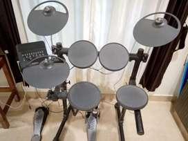 Electronic drums Yamaha DTX400