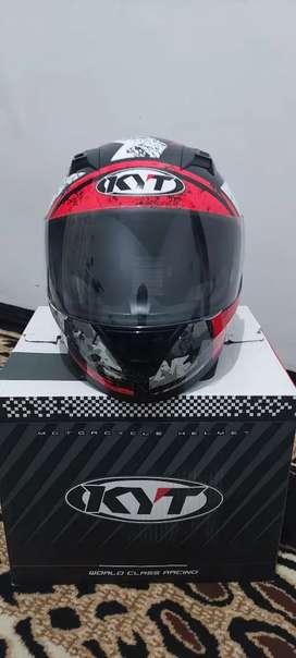 Helm KYT R-10 Size L