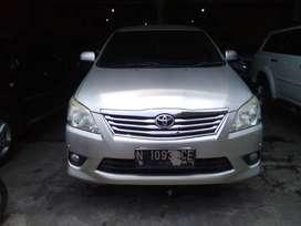 Toyota Innova Tipe V 2.0 Bensin Manual 2012
