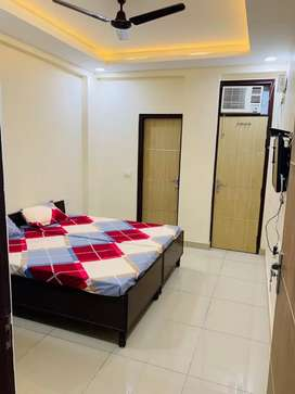 Best PG for BOYS ready to move sector 43 near goalcourse road