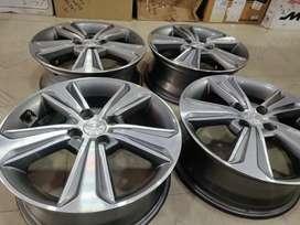 """16"""" Verna fluidic Diamond Cut OEM Alloys set of 4 lite used"""