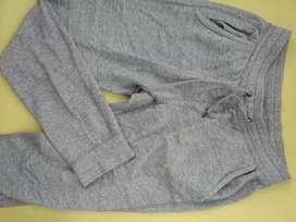 Celana training Jogger Uniqlo size M/L
