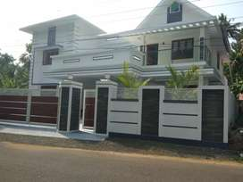 5 bed room new build ready to occupy laxuary at aluva town near dessom