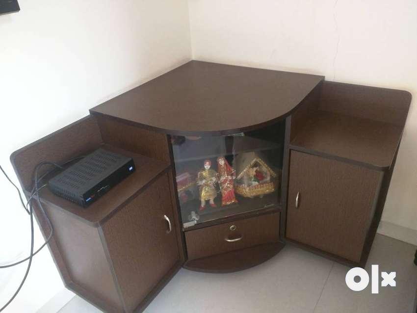TV Set table 0