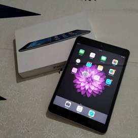 iPad mini for sale in Mint condition - with Box and Cover