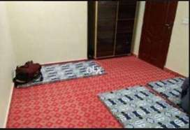 Rooms/Hostel Available for Student's/Employee's on Rent