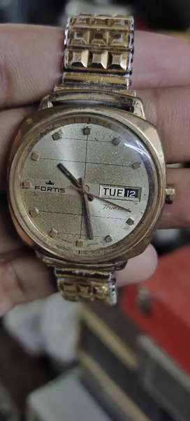 old antique rare vintage wrist watch of Fortis