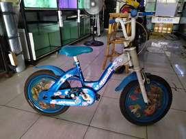 Sepeda anak mulus tinggal pakai
