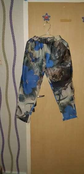 Celana sifon corak