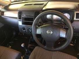 Nissan latio 2010