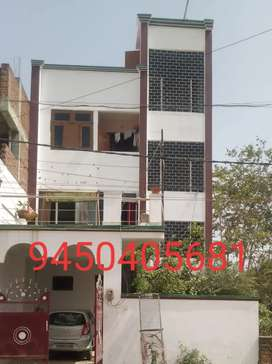 It is independent set of one room, washroom and kitchen