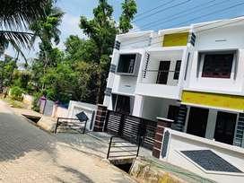 Aluva choondi 3.50cent 1550sqft 3bhk roadside house for sale