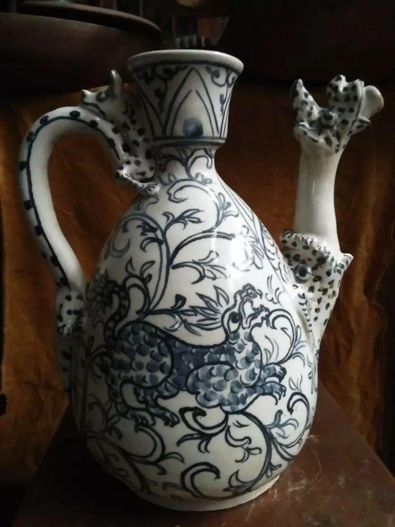 Vas / Guci antik biru putih motif Naga wow 0